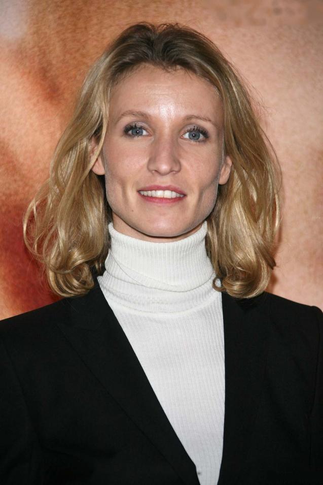 Alexandra lamy actor for Dujardin nimes