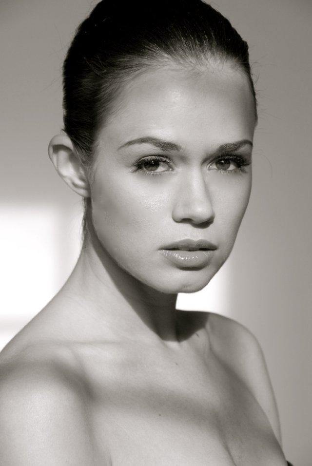 Christie Burson Nude Photos 30