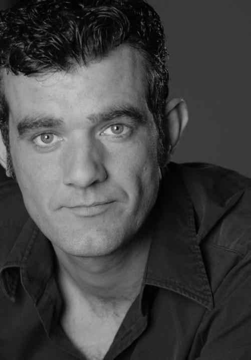 Stefán Karl Stefánsson ˈ s t ɛ f ən ˈ s t ɛ f ən s ən Icelandic ˈstɛːvaun ˈkʰartl ˈstɛːvaunsɔn born 10 July 1975 is an Icelandic actor