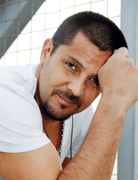 http://static.cinemagia.ro/img/db/actor/16/37/19/fabian-robles-637964l.jpg