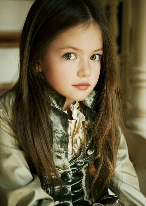 Mackenzie foy actor for Synonym modell