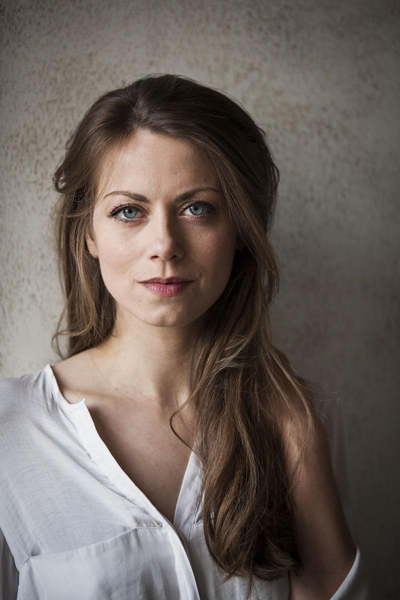 Alice Dwyer Nude