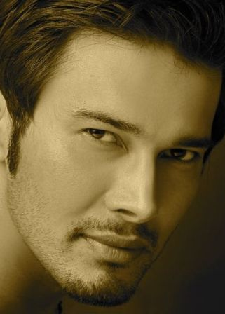 Rajneesh Duggal - Actor - CineMagia.ro