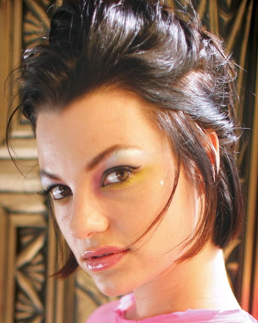 Киноленты смотреть дебют актрисы белладонны зрелую жену