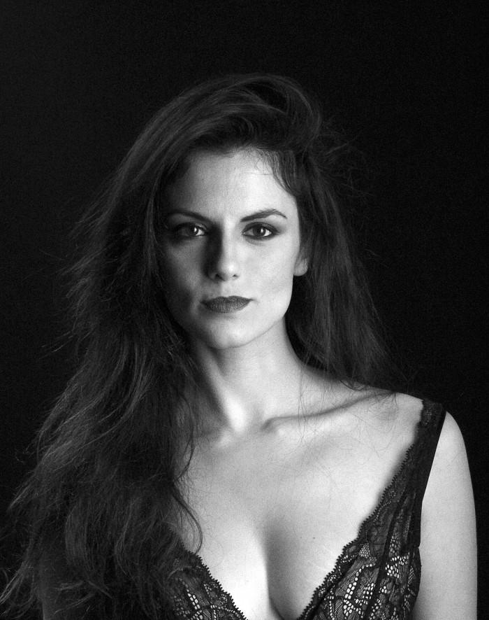Actrices sexys Melina-matthews-470744l