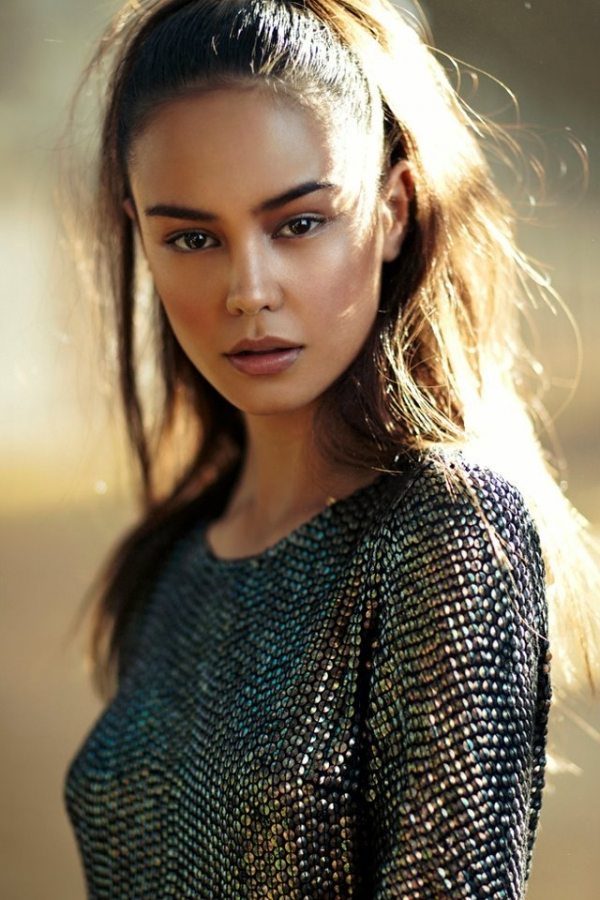 Wikipedia courtney eaton