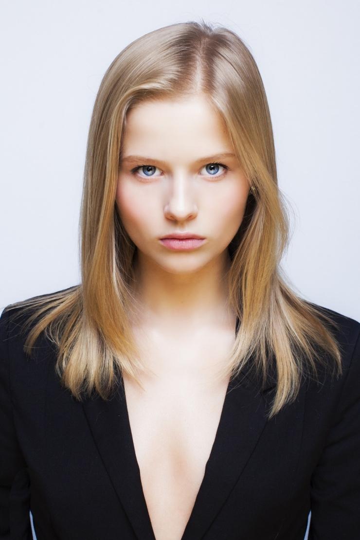 Aleksandra bortich nude in 039about love039 on scandalplanetcom - 2 1