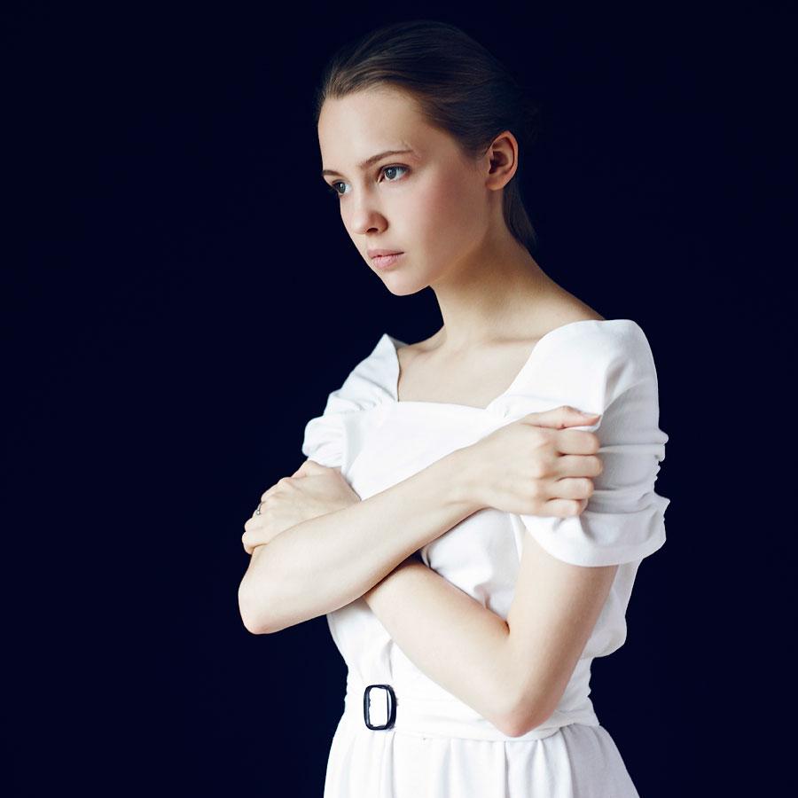 Yuliya Khlynina Nude Photos 12