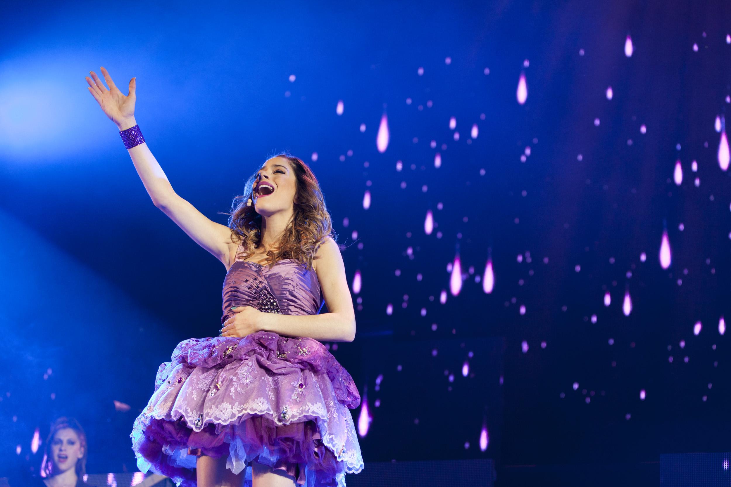 Imagini violetta the concert 2014 imagini violetta n concert imagine 1 din 15 - Foto van de show ...