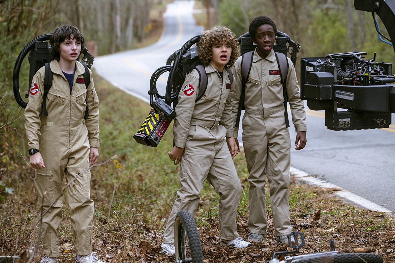 Stranger Things (2016) Online Subtitrat in Romana