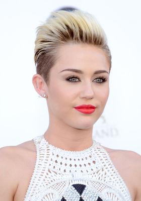 Miley Cyrus - poza 1