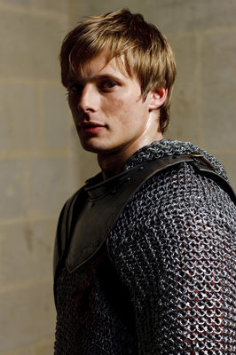 Bradley James - poza 8