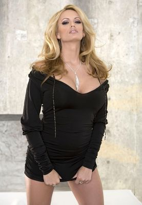 Glori anne gilbert the hills have thighs 4