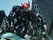 "Transformers: Dark of the Moon, din nou  ""şef"" la box-office"