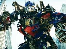 Transformers 4 va avea în totalitate o distribu?ie nou?, spune Michael Bay