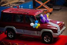 Parada de maşini ARO în Bucureşti şi drive teste gratuite