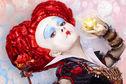 Articol Postere captivante pentru sequel-ul lui Alice in Wonderland