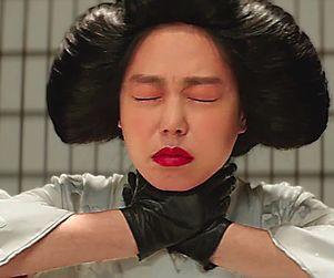 Mademoiselle/The Handmaiden, de Park Chan-Wook, cel mai impresionant film ca scenografie. Premiat cu Vulcan Award