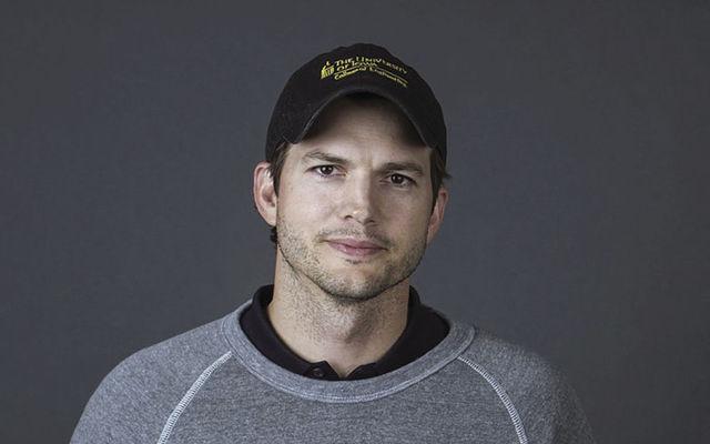 Ashton Kutcher a ţinut post negru o săptămână după ce a divorţat de Demi Moore