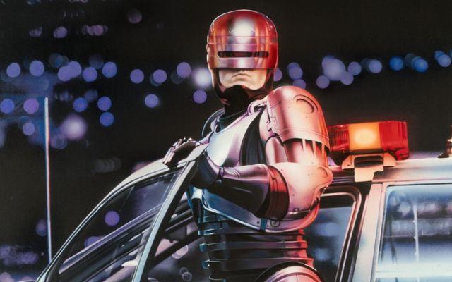 Vom vedea un nou film RoboCop, cu rating interzis minorilor