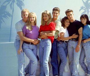 Beverly Hills 90210! Seria originală rămâne super-populară!