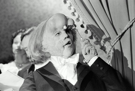 a review of the film the elephant man The elephant man dvd review elephant man retains the oppressive and industrial sound-design of the – film - extras the elephant man is released on august.