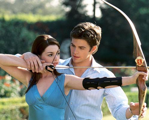 Anne Hathaway, Chris Pine în The Princess Diaries 2: Royal Engagement