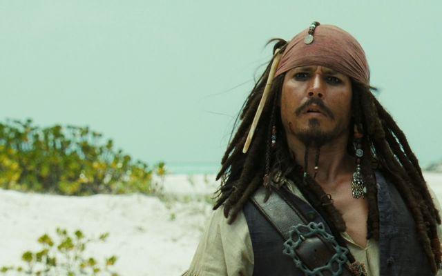 Film - Pirații din Caraibe: Cufărul Omului Mort