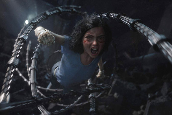 Rosa Salazar în Alita: Battle Angel