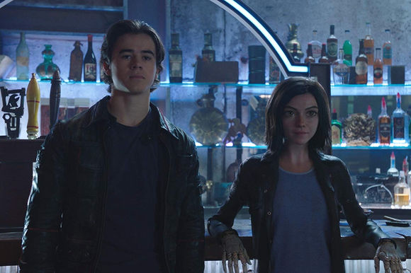 Rosa Salazar, Keean Johnson în Alita: Battle Angel