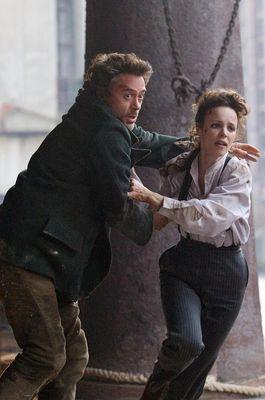 Robert Downey Jr., Rachel McAdams în Sherlock Holmes