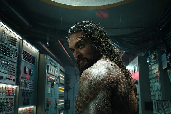 Jason Momoa în Aquaman