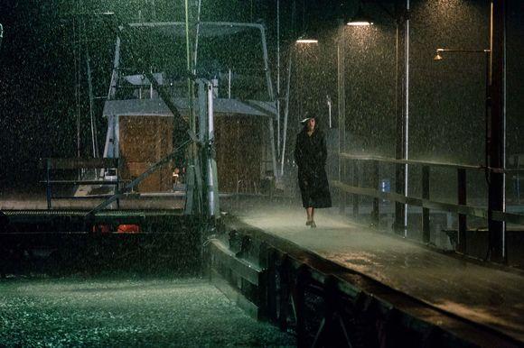 Anne Hathaway în Serenity