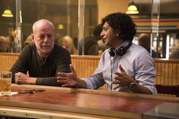 Bruce Willis, M. Night Shyamalan în Glass