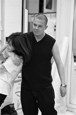 Alexander McQueen în McQueen