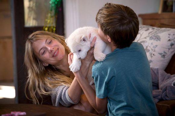 Mélanie Laurent în Mia and the White Lion