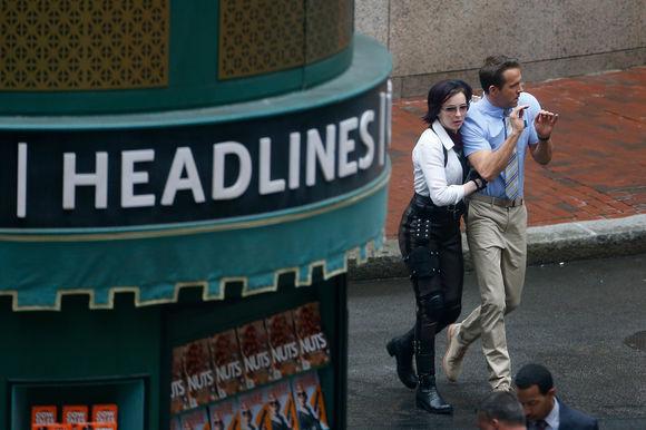 Ryan Reynolds, Jodie Comer în Free Guy