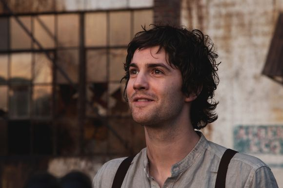 Jim Sturgess în Upside Down