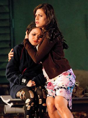 Eva Mendes, Cierra Ramirez în Girl in Progress