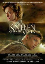 Poster Knielen op een bed Violen